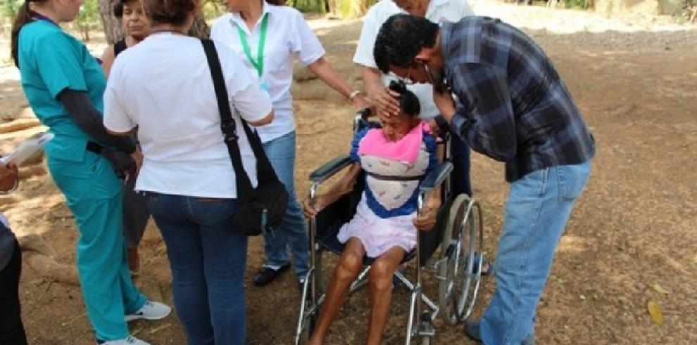 CSS atiende a 240 pacientes en sus residencias en Veraguas mediante el programa SADI