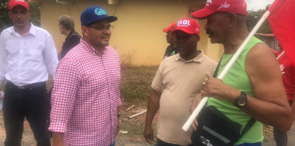 Candidato Saúl Mendez recorre Limón dando a conocer su propuesta de campaña