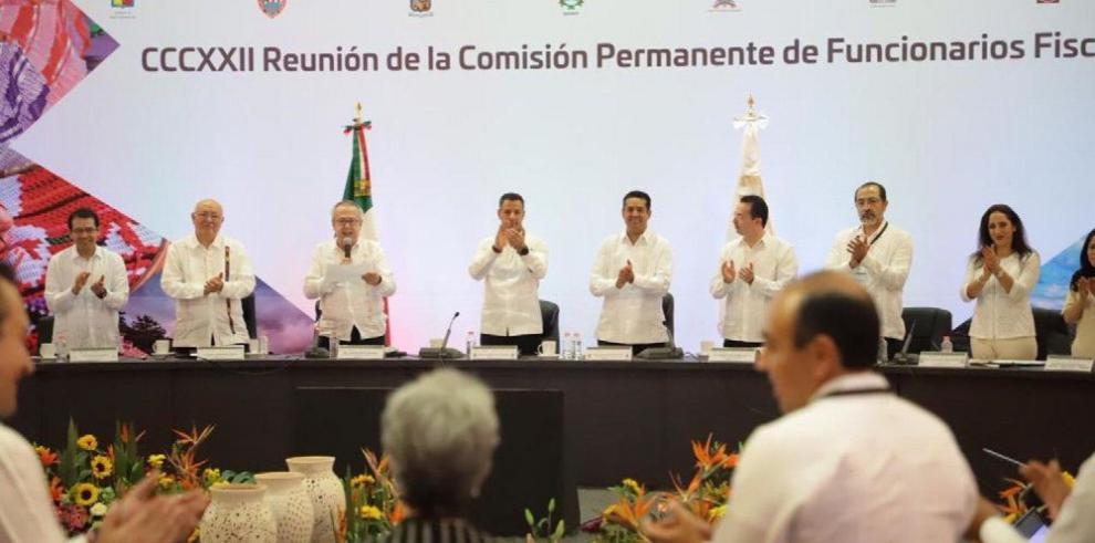 Corredor en México competiría con el Canal