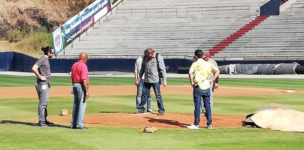 Inspectores de MLB revisan estadio Rod Carew de Panamá para Serie del Caribe