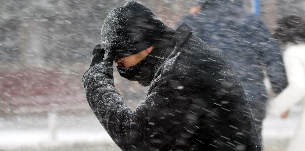 Ola de frío polar causa 5 muertes en Estados Unidos