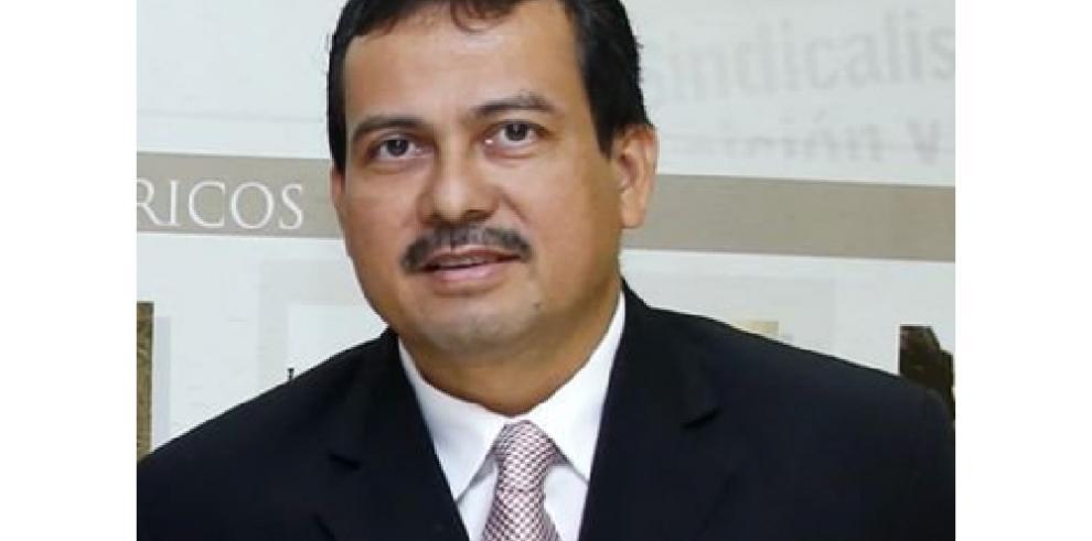 Director de La Estrella de Panamá, electo nuevo presidente del Fórum
