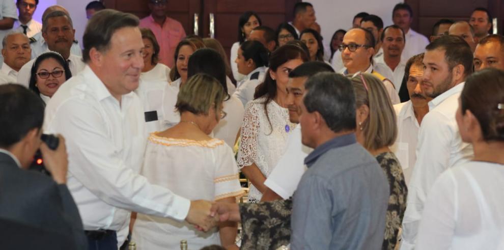 Varela presentó el Estudio de Factibilidad para el Tren Panamá-David