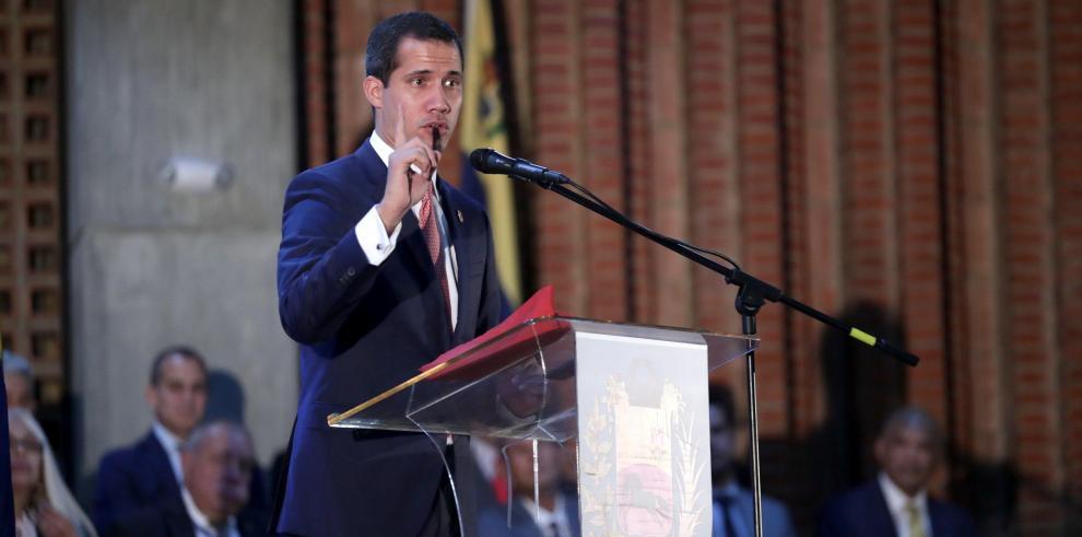 Gobierno venezolano acusa a Guaidó de planear ataque a sistema de pagos del país