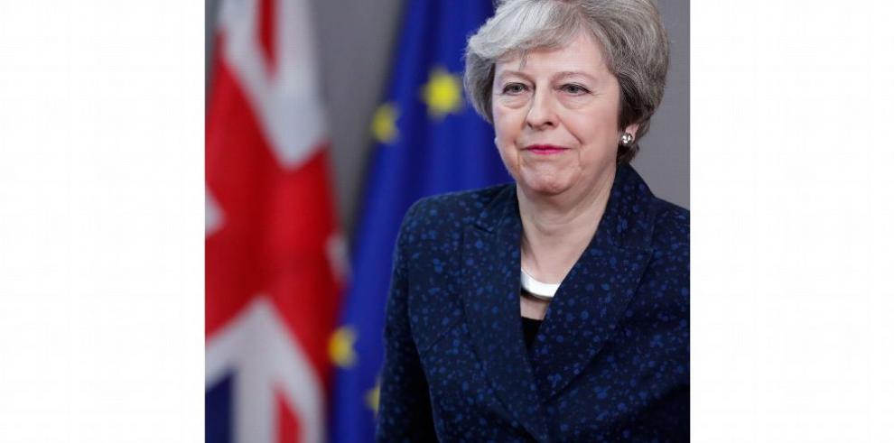 La UE ofrece a May revisar la declaración de la futura relación