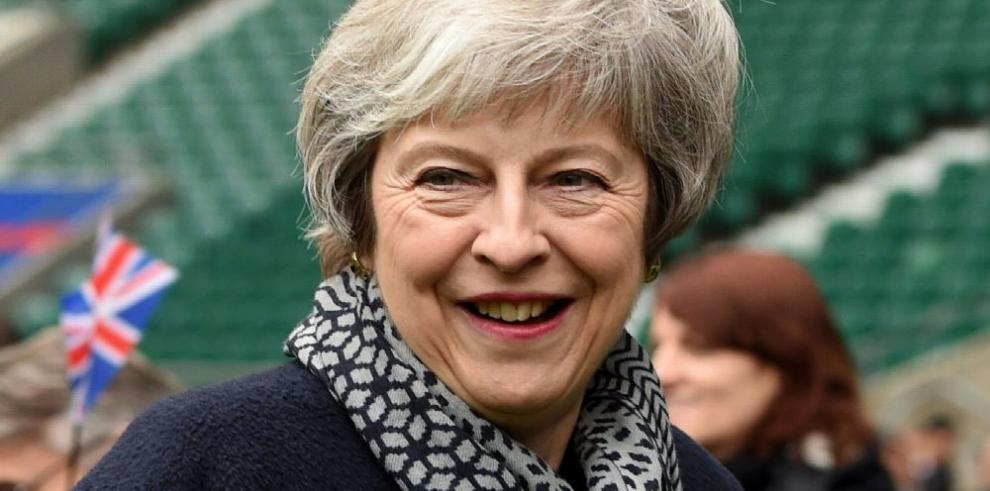 El Gobierno de May busca posible apoyo en la oposición