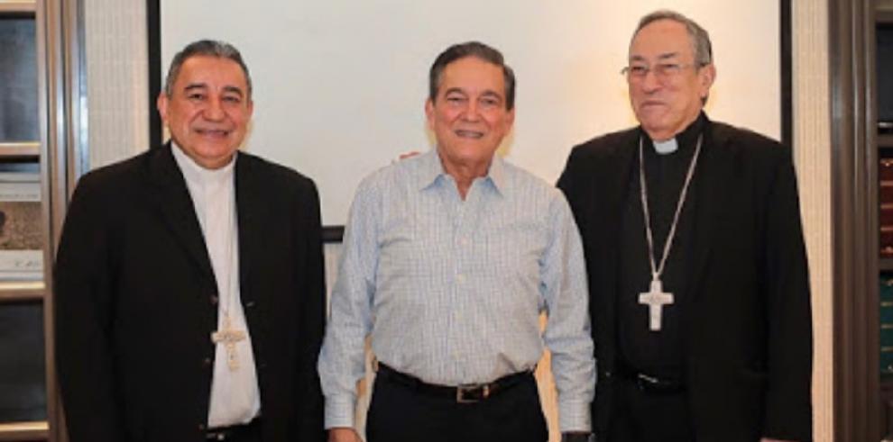 Laurentino Cortizo y cardenal Rodríguez Maradiaga dialogan sobre paz social