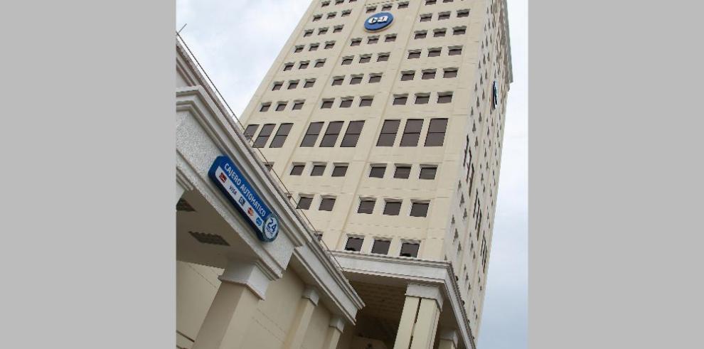Multan a la Caja de Ahorros y a Mega International Commercial Bank