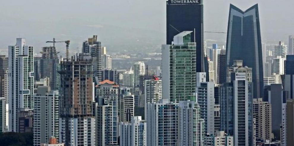 Standard and Poor´s mejora el grado de inversión de Panamá a BBB+
