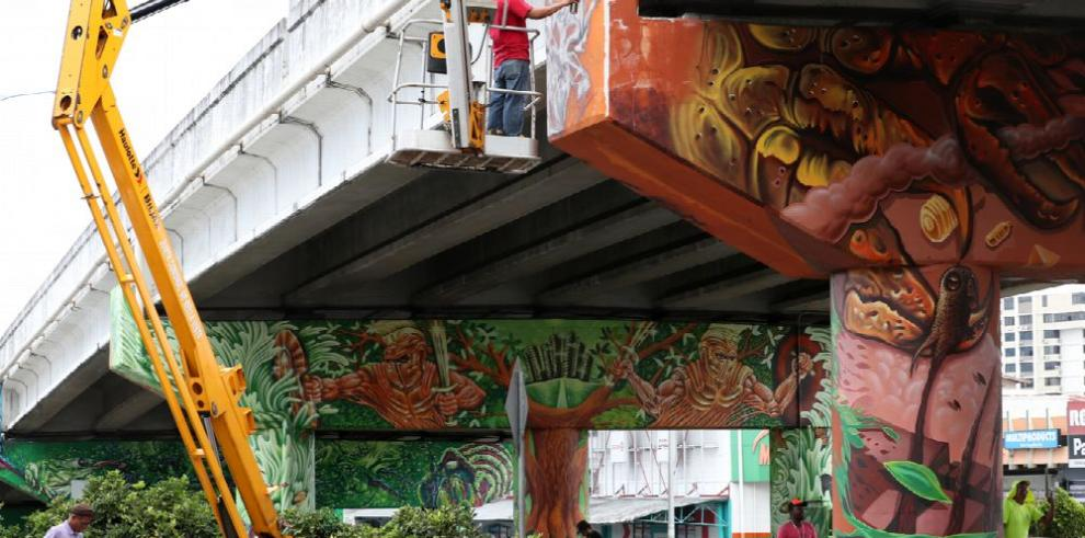 El manglar y la huella humana, en grafiti
