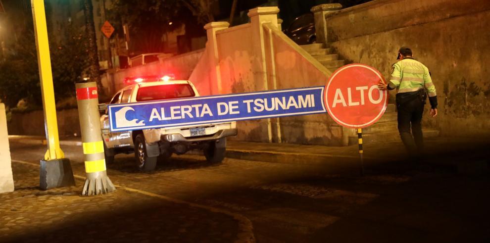 Fuerte sismo de magnitud 8,3 originado en Perú sacude Colombia