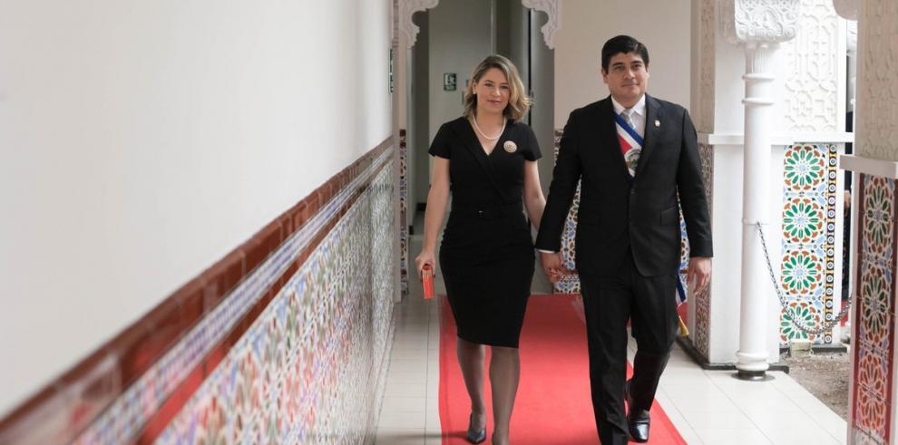Presidente Alvarado se reúne este lunes con la canciller Ángela Merkel