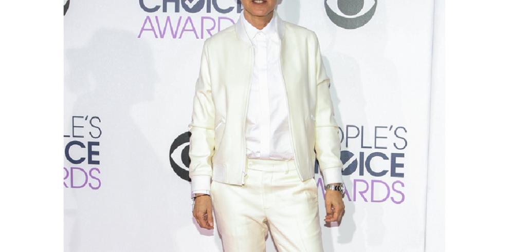 Ellen DeGeneres se postula como 'dama de honor' de JLo