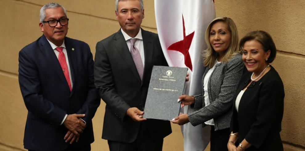 Arrocha y Zamorano son ratificados por la Asamblea