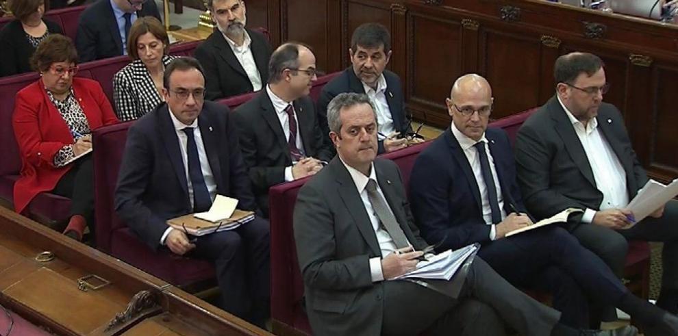 Congreso español rechaza presupuesto de Pedro Sánchez