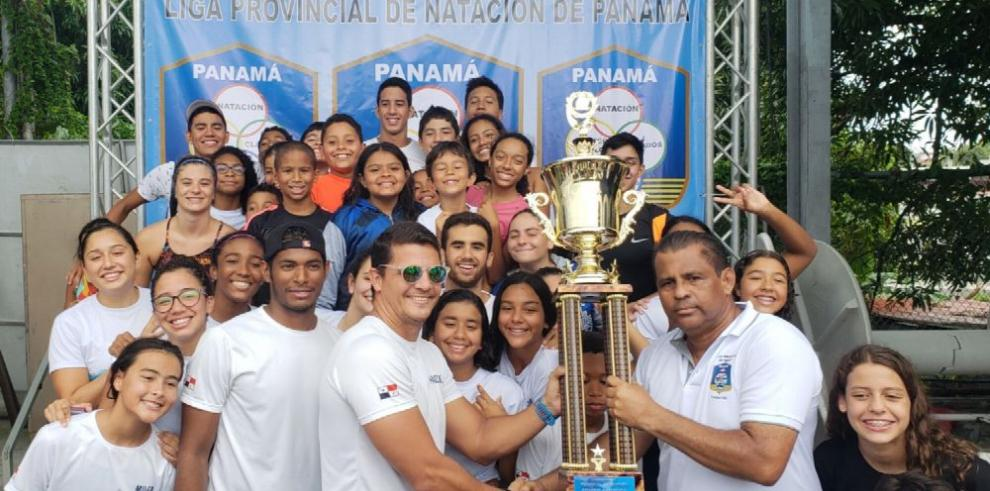 Coronados los campeones del torneo provincial de Natación en Panamá