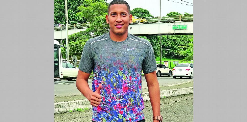 Marcos Allen, 'El tope es la selección mayor y jugar en el extranjero'