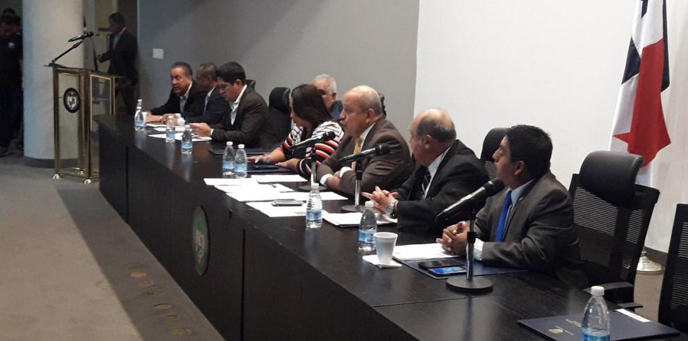 Diputados aprueban en primer debate proyecto de ley sobre bono a jubilados