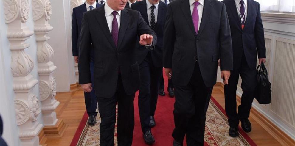 Putin recibe a su
