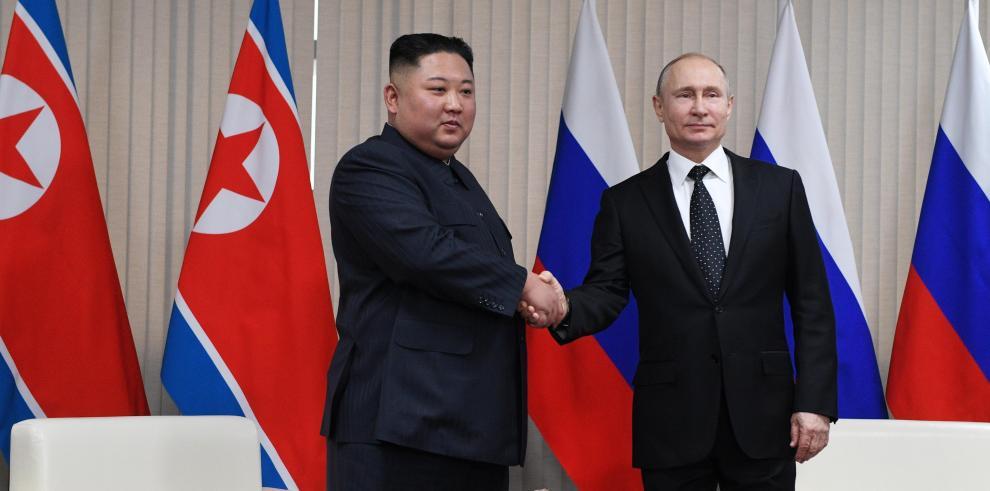 Putin apoya a Kim Jong-un en su pulso con Trump