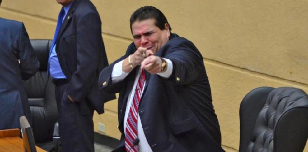 Sergio Gálvez confirma negociaciones para ratificación de magistrado