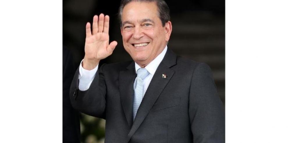Nuevo presidente de Panamá irá a Nueva York para tratar lista gris con bancos