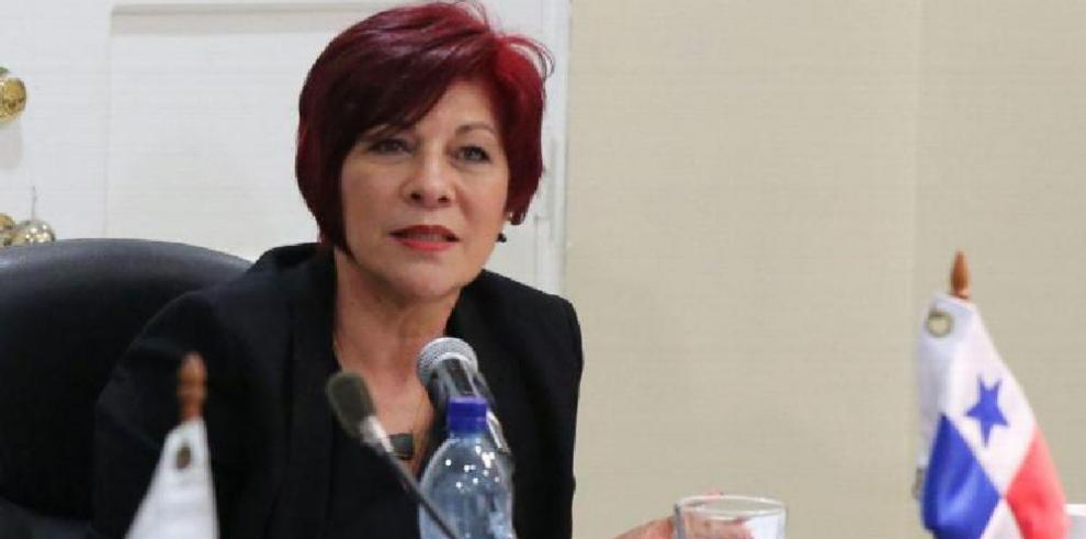 Tribunal Electoral suspende entrega de credencial a la diputada Vallarino