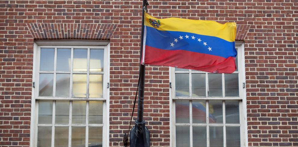 El agregado militar de Venezuela en EEUU anuncia su respaldo a Guaidó