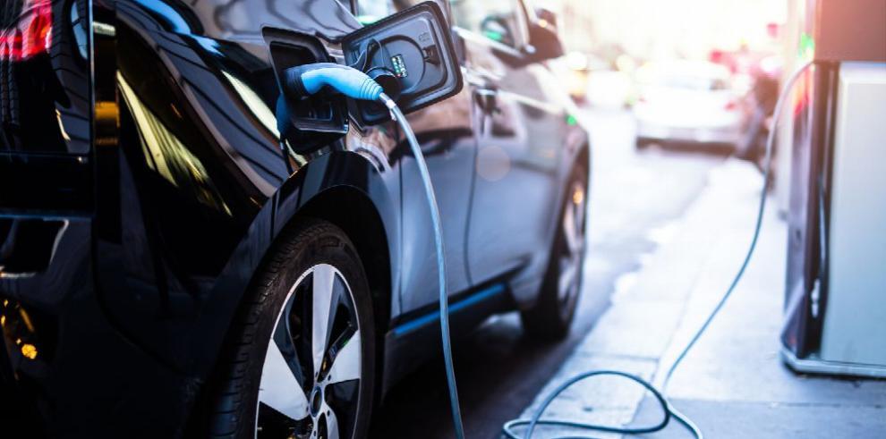 ADAP busca apoyo para entablar una Comisión Multisectorial de Movilidad Eléctrica