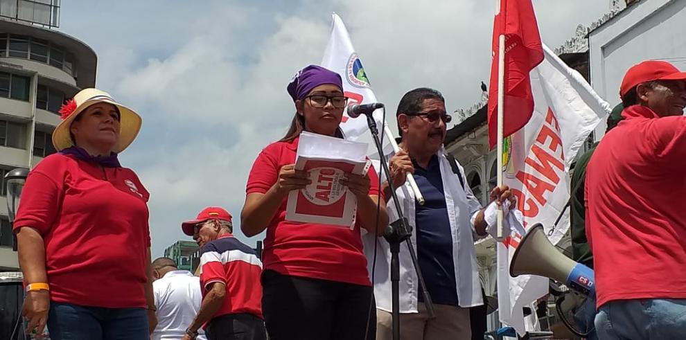 Obreros exigen justicia social