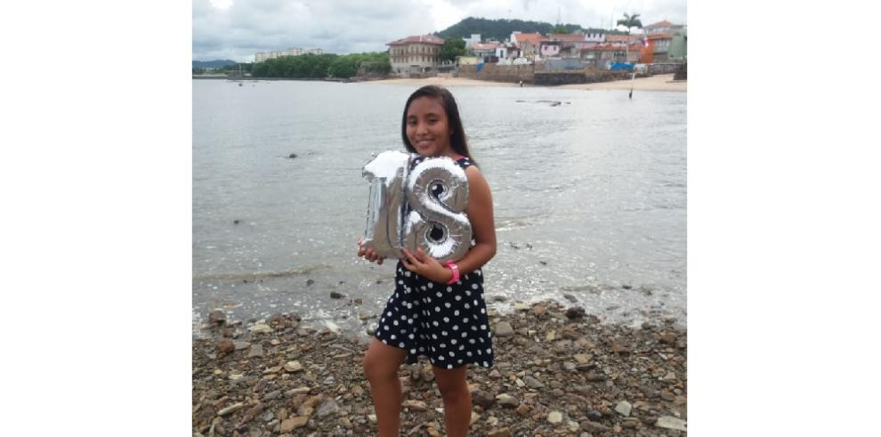 Despiden a estudiante que fue asesinada en Arraiján