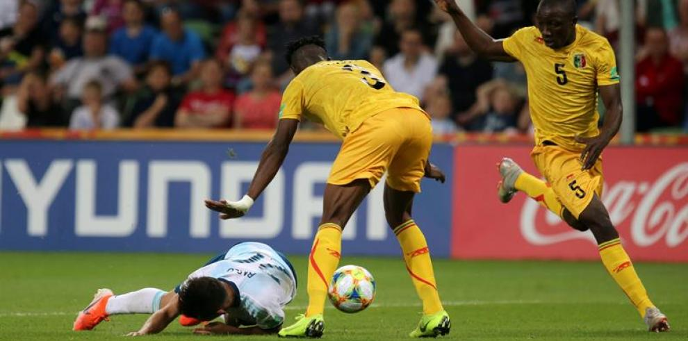 Malí se cita con Italia en cuartos de final después de apear a Argentina