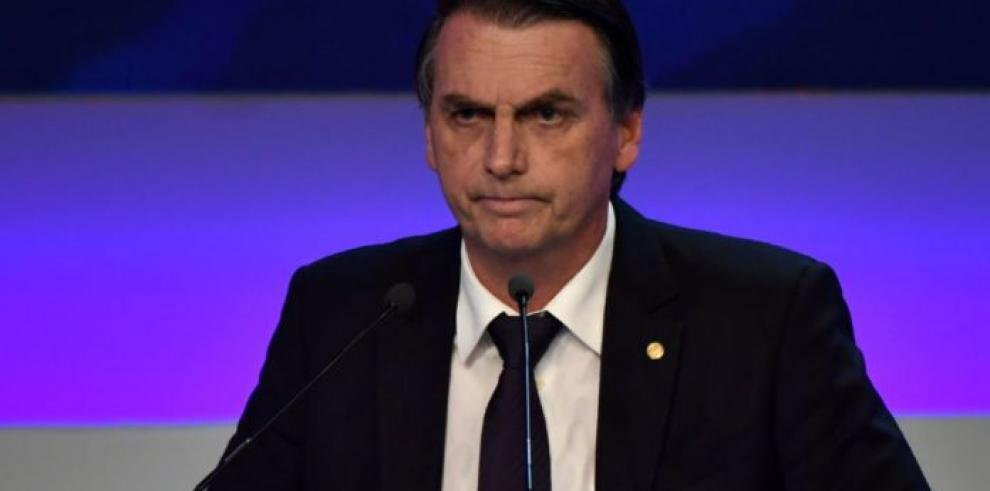 Bolsonaro no trata nada importante por teléfono celular para evitar a hackers