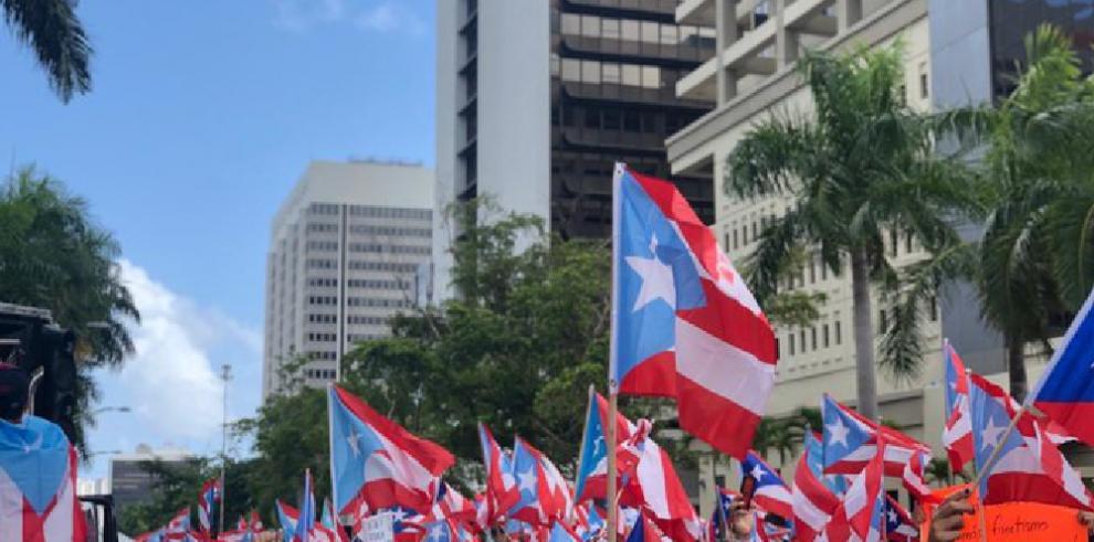 Puerto Rico vive momento cumbre con renuncia de gobernador por fuerza popular