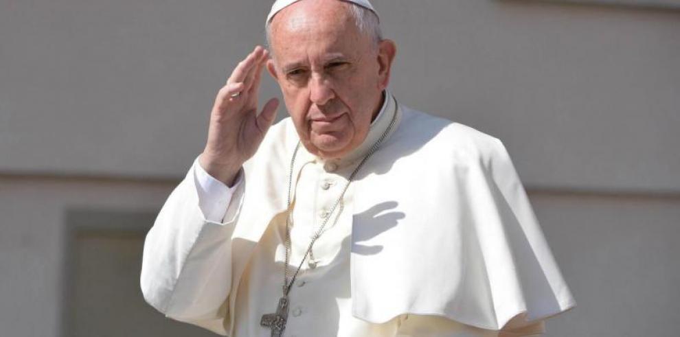 El presidente de Irak invita oficialmente al papa Francisco a visitar el país
