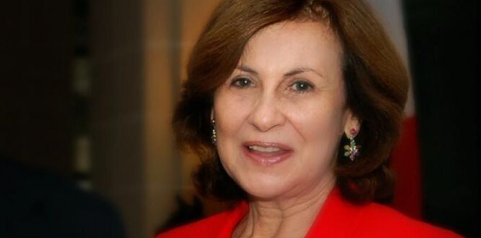 Sepelio de la exprimera damaAdela Ruiz de Royo será el lunes 24 de junio
