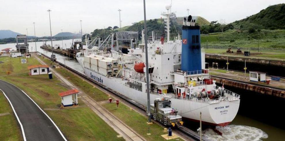 Canal de Panamá pospone nueva restricción de calado por llegada de lluvias