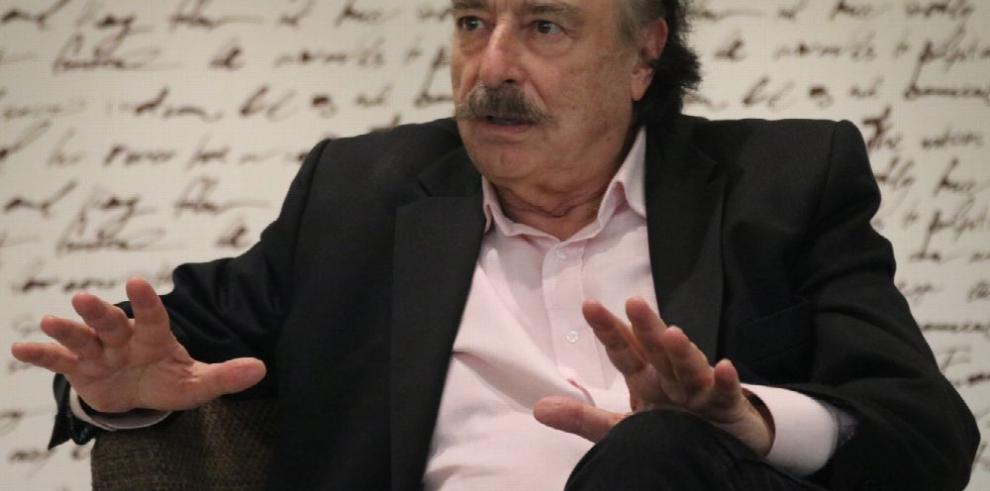 Ramonet: 'Se debe ver tanto CNN en Español como TeleSur'