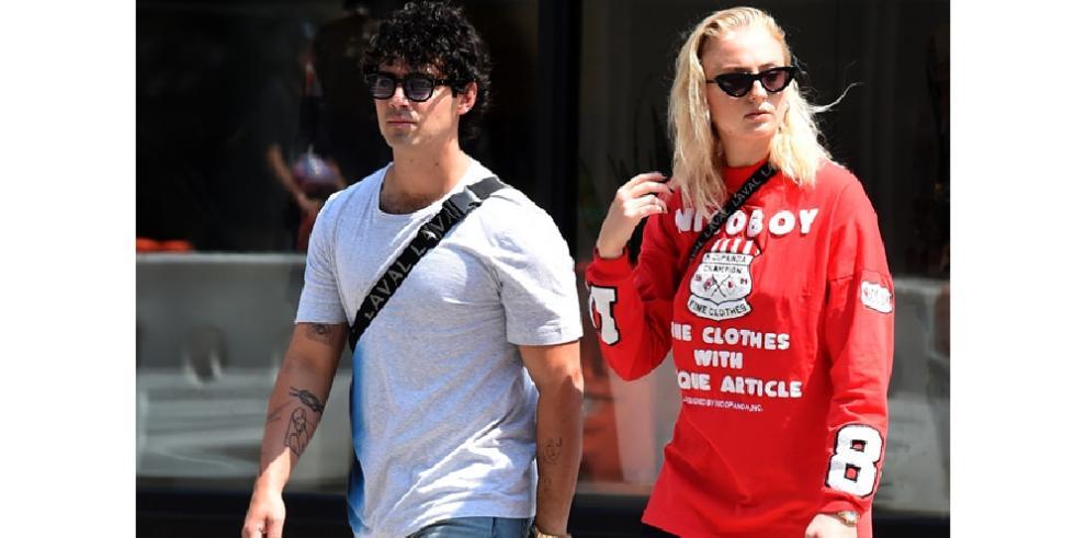Joe Jonas y Sophie Turner compiten por la despedida de soltero más épica
