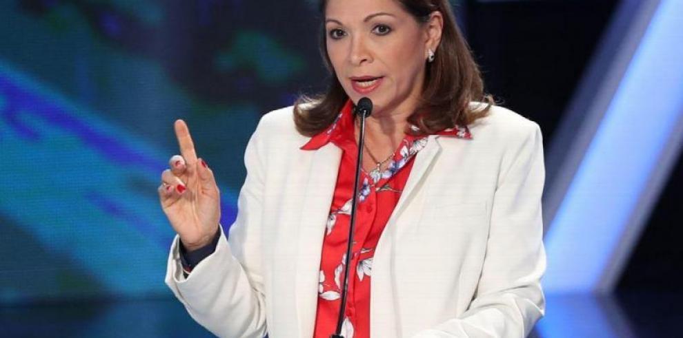 Ana Matilde Gómez supera en votos a Méndez y reconoce su derrota