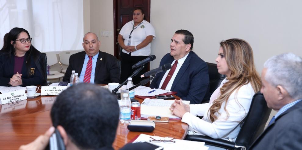 Documentos de nuevos directivos de la ACP llega a Credenciales