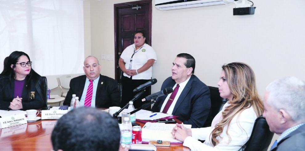 'No obstaculizaré la ratificación de directivos del Canal', Gálvez