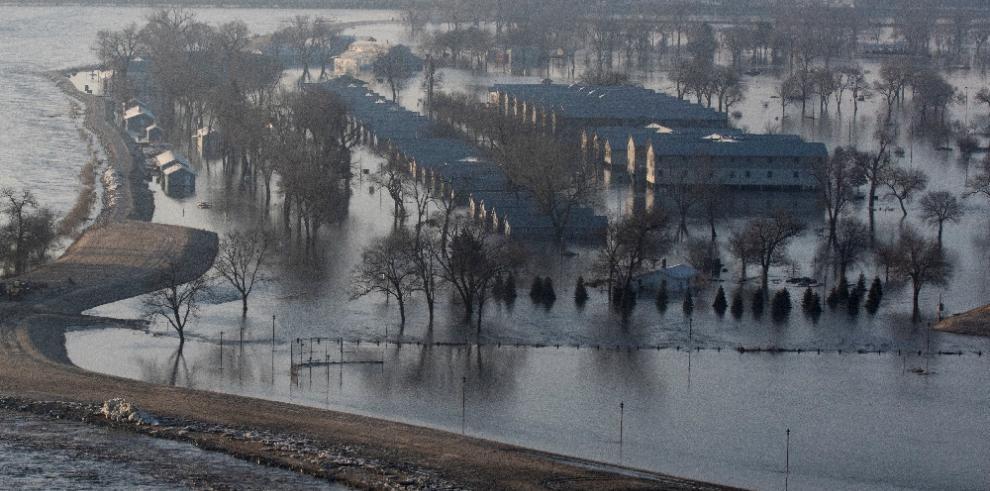 EEUU: Desborde del río Missouri causa inundaciones