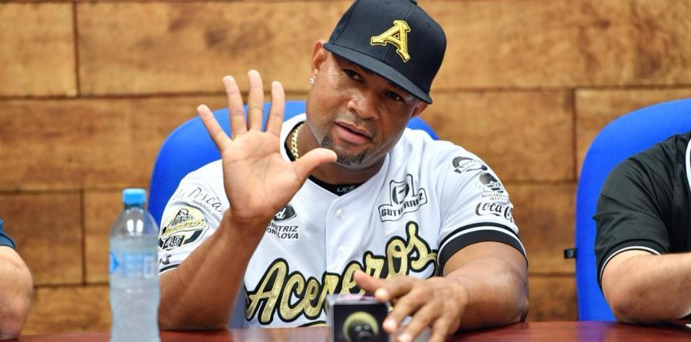 Rubén Rivera anuncia su retiro del béisbol, tras 24 años de carrera