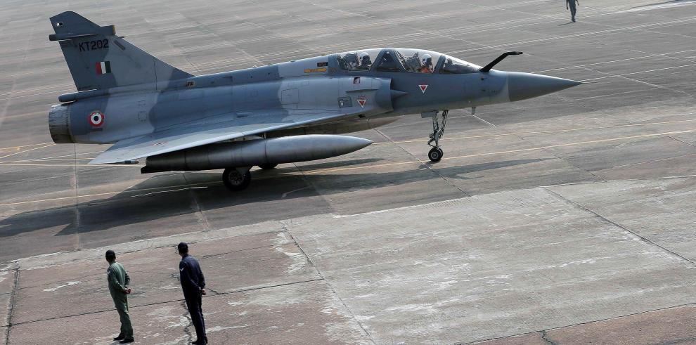 India confirma que llevó a cabo bombardeo aéreo en territorio paquistaní