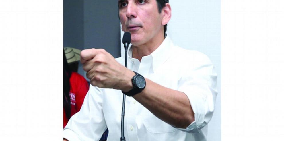 Roux acusa a Cortizo de copiar sus propuestas para generar empleos