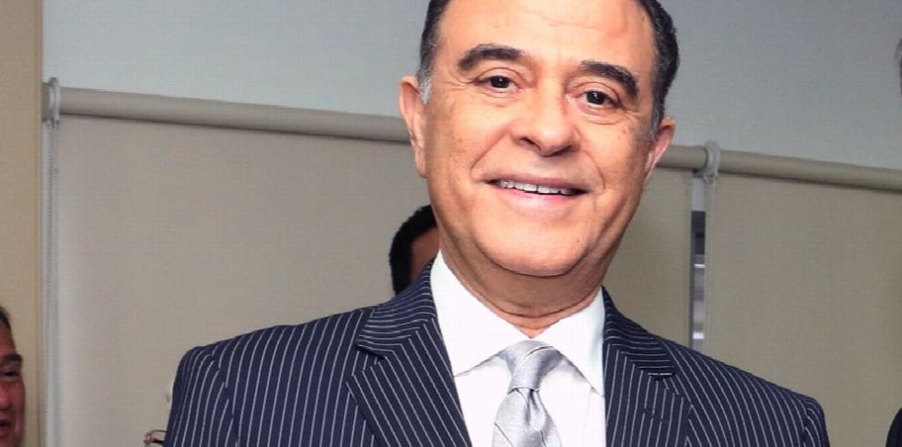 Martinelli demanda al director y editores de 'El Siglo'