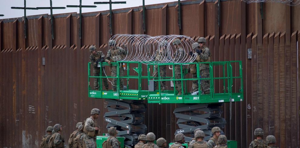 Congreso de EEUU niega al Pentágono destinar mil millones al muro con México