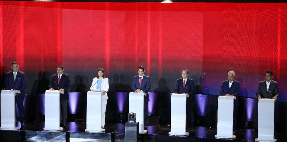Candidatos en mora con planes de gobierno, optan por foros y pactos sectoriales