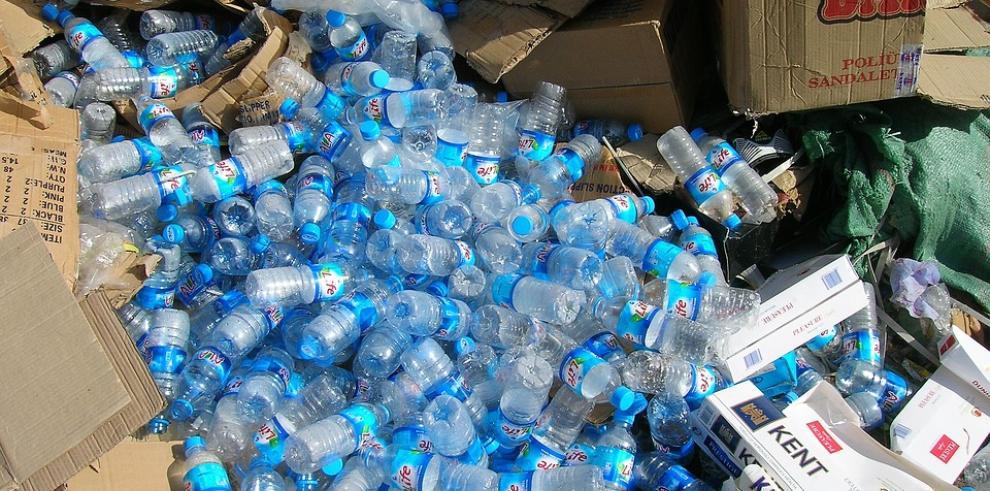 Asamblea aprueba uso de plástico reciclado para construir carreteras